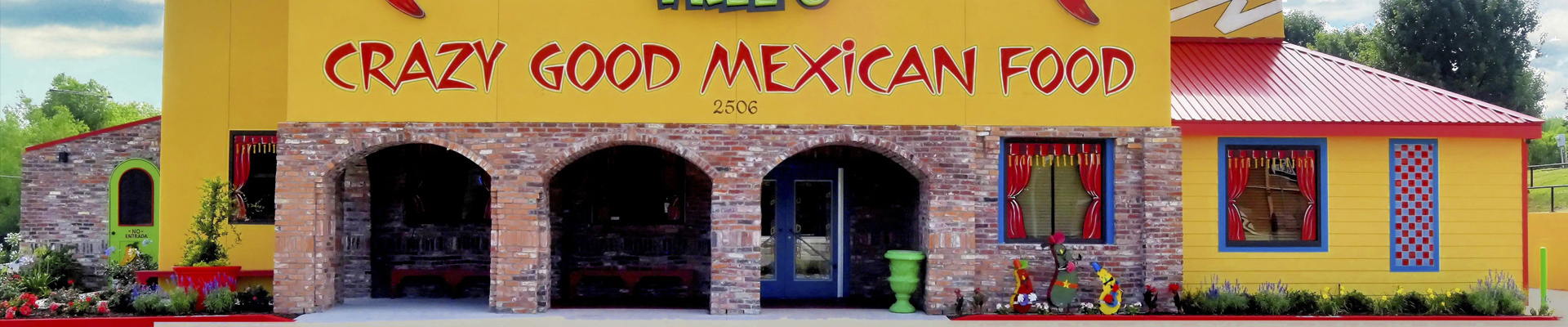 Entrance to the Mexican restaurant Jalapeno Tree in Mt Pleasant, TX