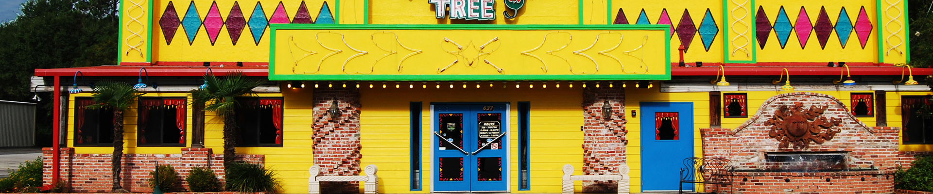 Front entrance of Mexican Restaurant Jalapeno Tree in Nacogdoches, Texas